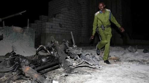 Car bomb blast kills soldiers near Somali parliament