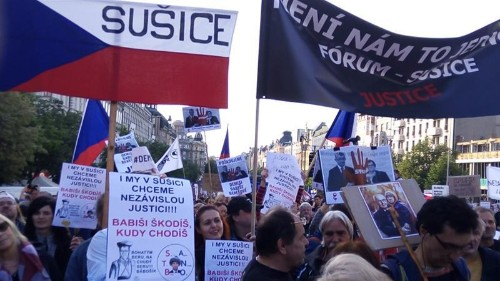 Protests grow against authoritarian slide in Czech Republic