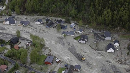 Flooding grips Norway