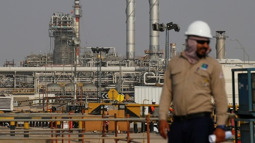 Saudis fear costly oil price collapse if output cuts delayed
