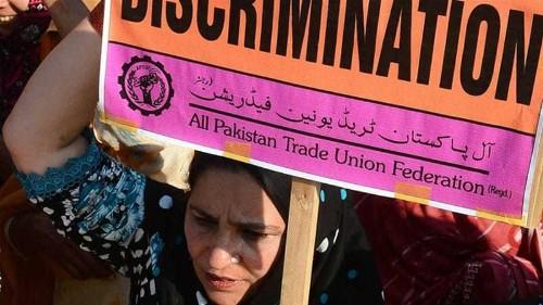 How social media is failing Pakistan's women