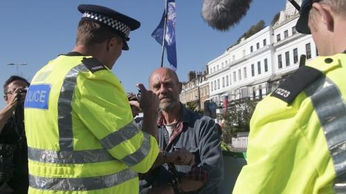 Climate change: Extinction Rebellion protesters arrested in UK