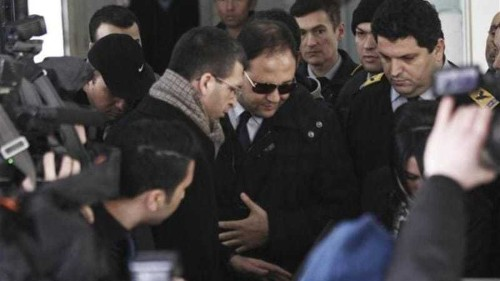 Turkish court frees key corruption suspects