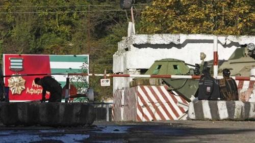 Georgia claims Russia grabbed Abkhazia land