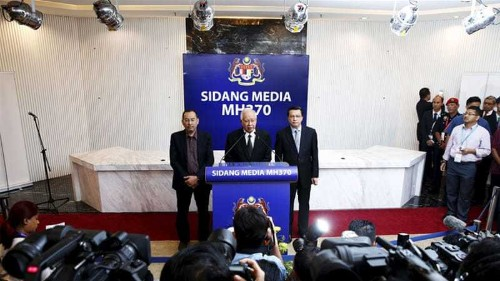 Malaysia PM confirms wreckage belongs to MH370