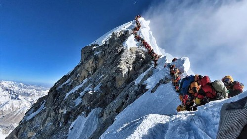 Mount Everest death toll reaches 10 for this climbing season