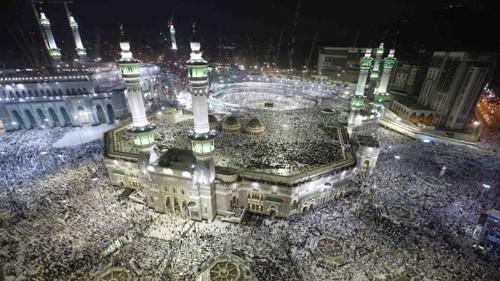 Saudi-Iran war of words escalates over Hajj row
