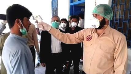 Coronavirus in Pakistan: Mask-buying panic leading to shortages