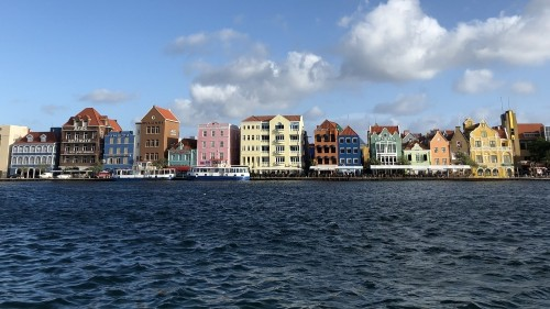 Curacao oil refinery takeover: Good for jobs, bad for climate?