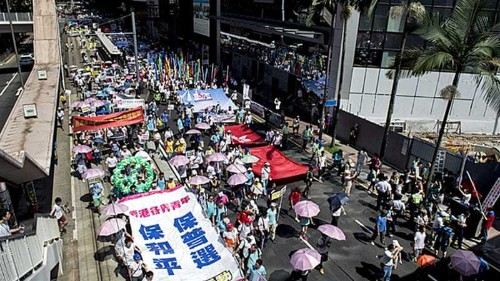 Thousands join Hong Kong anti-Occupy protest