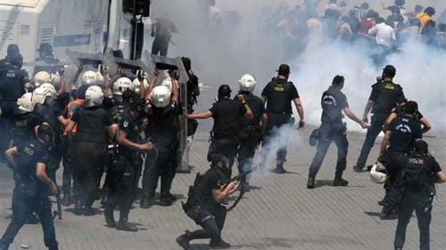 Turkey protests rage for second day