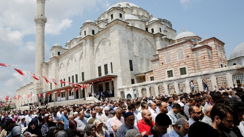 Mosques in Turkey hold funeral prayers in Mohamed Morsi's honour