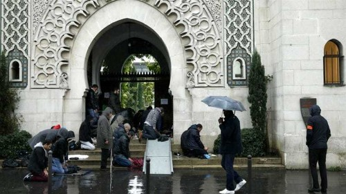 French police 'abuse' Muslims under emergency laws