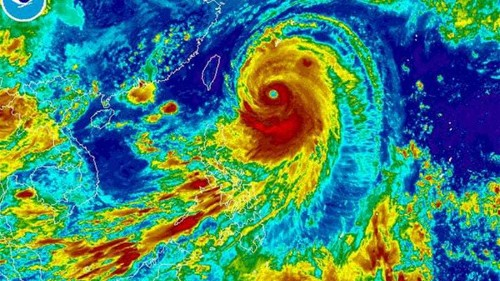 Japan islands brace for powerful typhoon