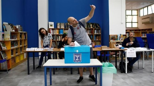 Israel election: Voting closes in second poll in five months