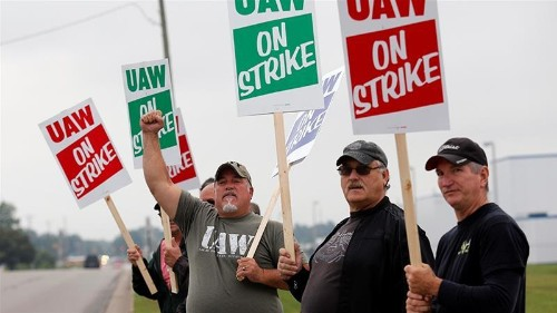 GM and UAW set to restart talks to resolve nationwide strike