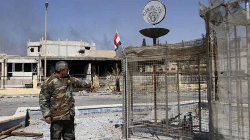 Syrian army captures ISIL-held town in Homs