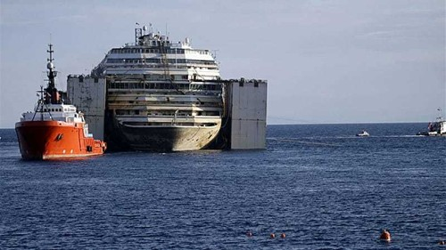 Costa Concordia cruise ship to be towed away