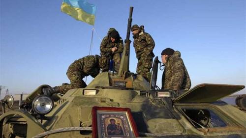 Ukraine activists vow to fight for Crimea