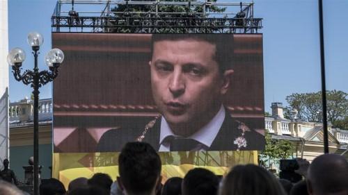 New Ukrainian President Zelensky calls early parliamentary polls