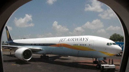 Indian plane dives 1,500m as pilot 'sleeps'