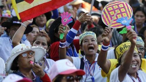 Thai protesters killed in grenade attack