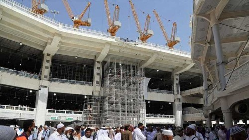 Saudi Arabia launches crane collapse investigation