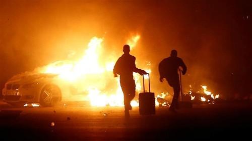 Rioting migrants demanding freedom torch cars in Malta
