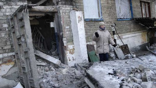 US threatens Russia with more sanctions over Ukraine