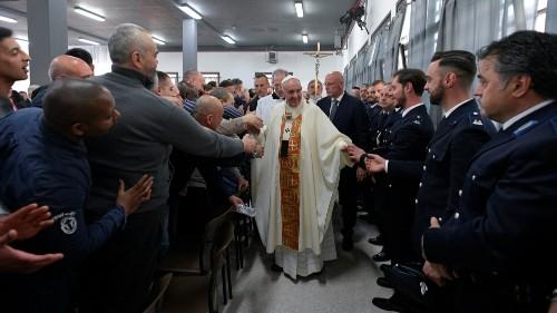 Pope tells prisoners at foot-washing rite shun inmate hierarchy