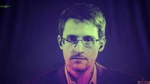 Snowden seeks to extend stay in Russia