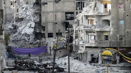 Syrian regime assaults rebel stronghold Homs