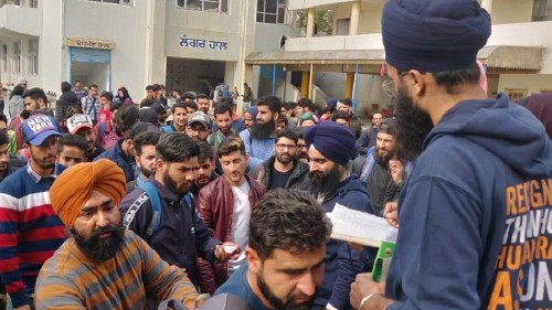 Sikhs provide sanctuary to Kashmiris caught in 'revenge' attacks