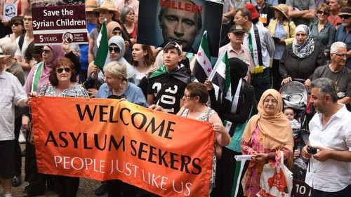 Thousands in Australia protests against refugee centres