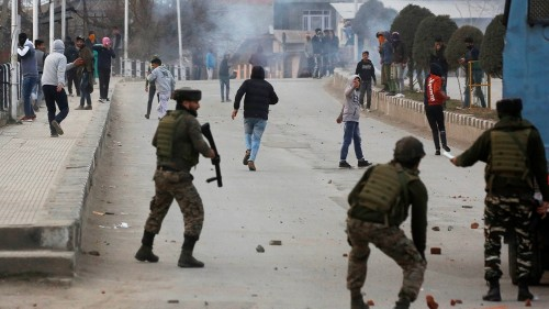 India bans top pro-independence group in Kashmir