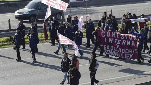Argentinians stage strike over ailing economy