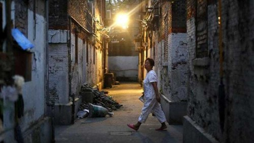 China 'AIDS demolition team' harass residents