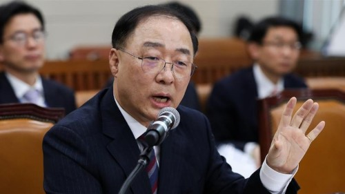 S Korea to spend aggressively amid growing economic threats