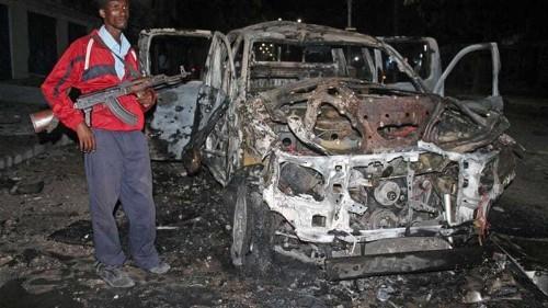 Deadly explosion rocks Mogadishu hotel