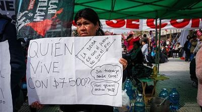 How Argentina's economic crisis is hurting women more than men
