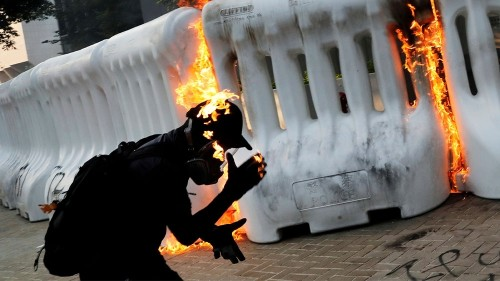 Police, govt condemn violence in Sunday Hong Kong protests