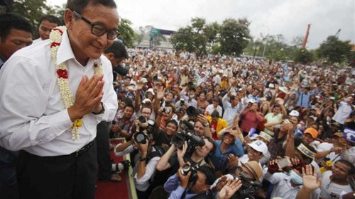 Talks fail to end Cambodia's stalemate
