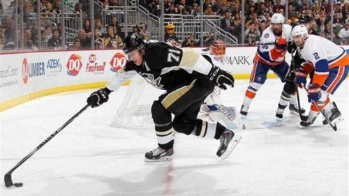 Islanders handed season's first loss