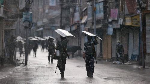 UN concern over Kashmir lockdown as hundreds reported arrested
