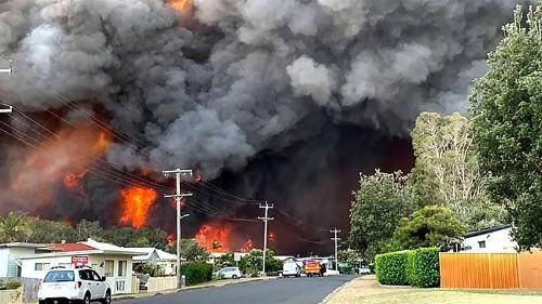 Australia braces for 'catastrophic' conditions as bushfires rage
