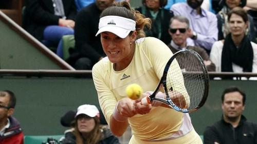 Garbine Muguruza upsets Serena Williams at French Open