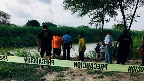 Photo of drowned father and daughter highlights migrants' perils