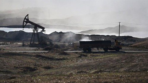 ISIL sells its oil, but who is buying it?