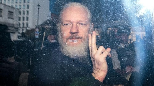 Assange's father calls on Australia to bring him home