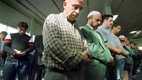 Dutch Muslims concerned by mosque attacks